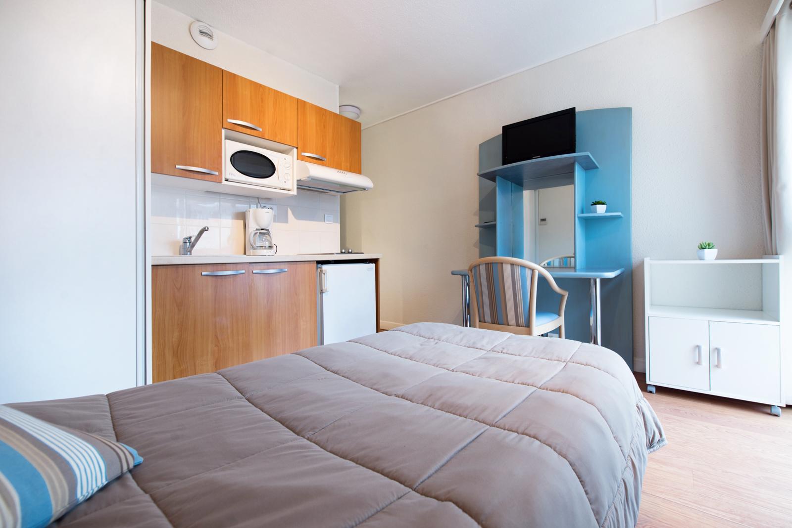 location studio 1 pers lit 90 pour cure dax proche thermes. Black Bedroom Furniture Sets. Home Design Ideas